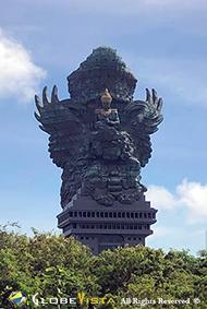 Garuda and Wisnu statue