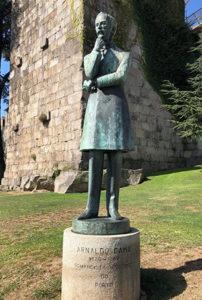 Arnaldo Gama statue